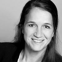 Dr. Julia Bellinghausen